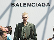 バレンシアガ(Balenciaga)の買取はぜひブランドバイヤーへ! 画像