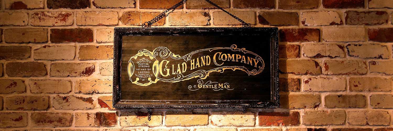 グラッドハンド(GLAD HAND)とは 画像